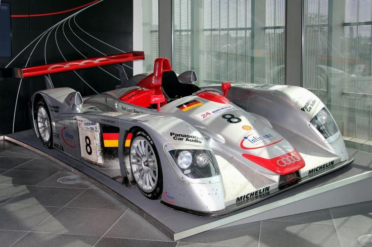 Audi_R8_LMP,_Le_Mans_2000_(museum_mobile_2013-09-03)